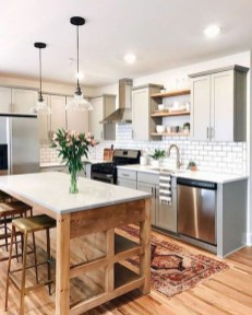 Farmhouse Kitchen Decorating Ideas With Wooden Cabinet 05