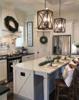 Farmhouse Kitchen Decorating Ideas With Wooden Cabinet 19