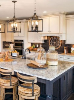 Farmhouse Kitchen Decorating Ideas With Wooden Cabinet 20