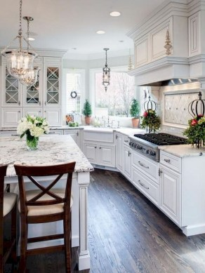 Farmhouse Kitchen Decorating Ideas With Wooden Cabinet 24