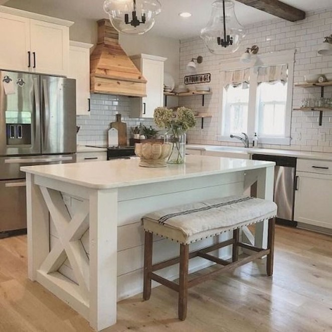 Farmhouse Kitchen Decorating Ideas With Wooden Cabinet 38