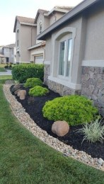 Incredible Edging Garden For Your Front Yard 02