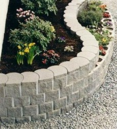 Incredible Edging Garden For Your Front Yard 11