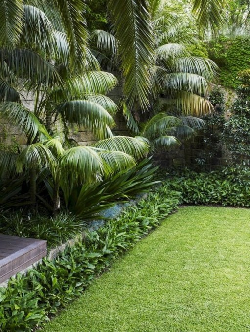 Incredible Edging Garden For Your Front Yard 13
