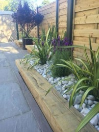 Incredible Edging Garden For Your Front Yard 37
