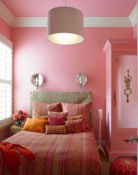 Lovely Small Bedroom Decor With Pink Nuance 02