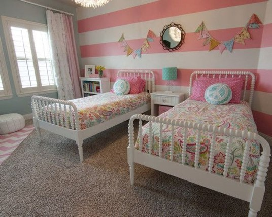 Lovely Small Bedroom Decor With Pink Nuance 03