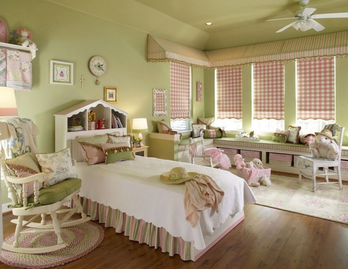 Lovely Small Bedroom Decor With Pink Nuance 11