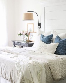 Nice Fall Bedroom Decoration For Farmhouse Style 01