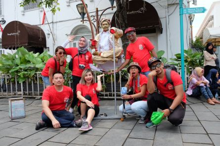 Quest 4 #AirAsiaFunRace: street performers. (Foto: @kurapak)