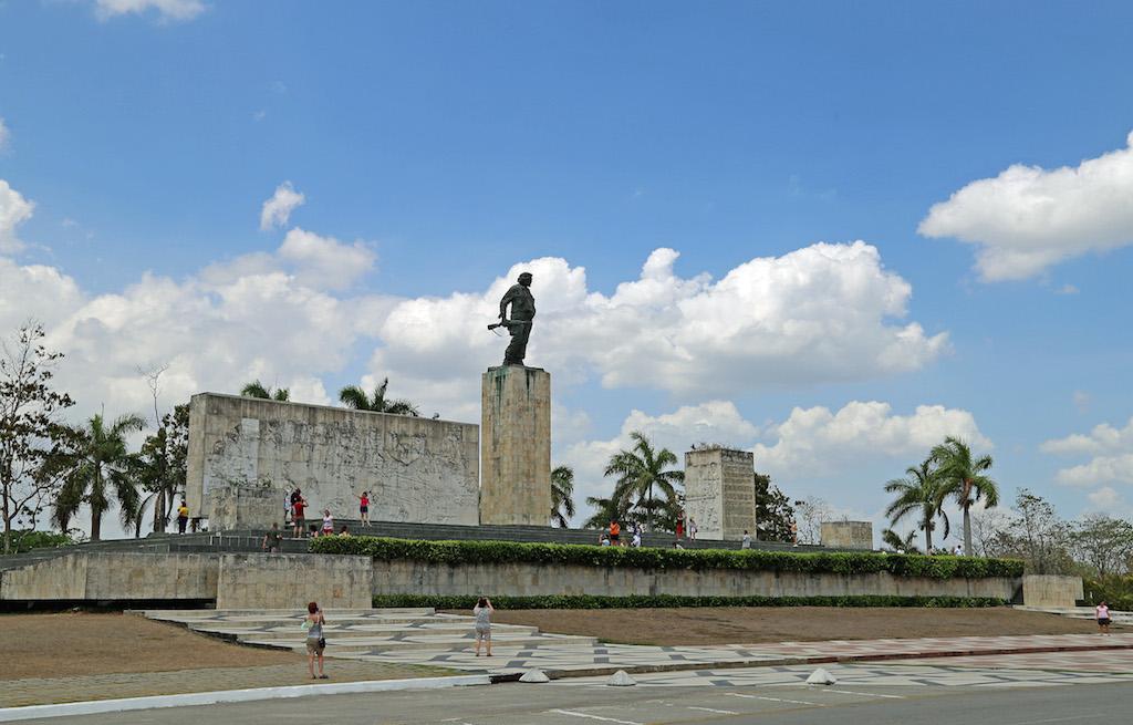 Küba Notlarım 2: Santa Clara, Che'nin Mozolesi ve Küba Devrimi