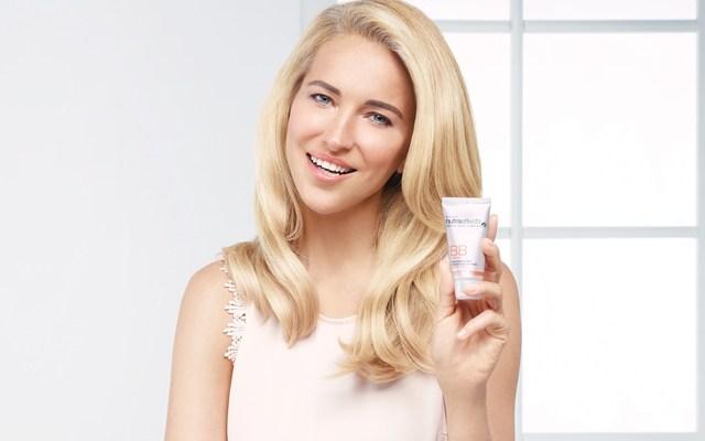 Avon, makyaj ve cilt bakımını birleştirdi