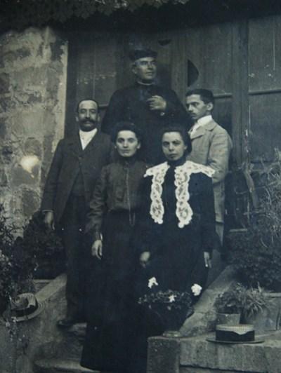 Bérenger Saunière curé de Rennes-Le-Château en famille