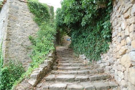 L'un des escaliers du château des Hautpoul de Rennes-Le-Château