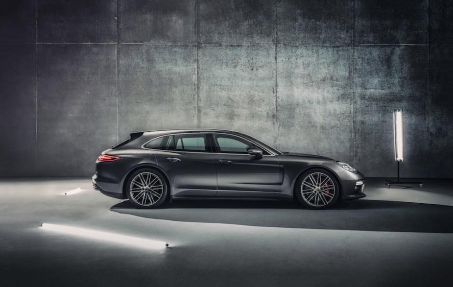 Porsche Panamera Sport Turismo Side