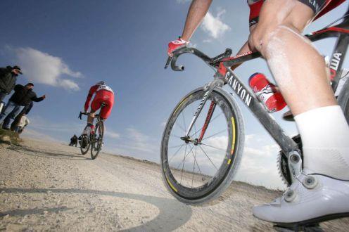 Weisse Kisstrassen sind das Markenzeichen des Rennens