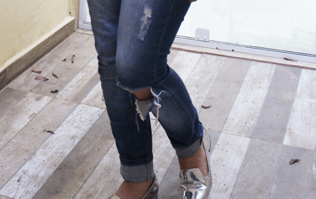 Look do dia: Sapato Prateado + calça rasgada