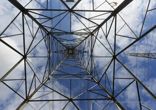 10-20mm lens, 10mm zoom, ISO 100, F9, 1/400 sec - Under the pylon