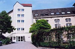 Centre d'Hébergement et de Réinsertion Sociale (CHRS)