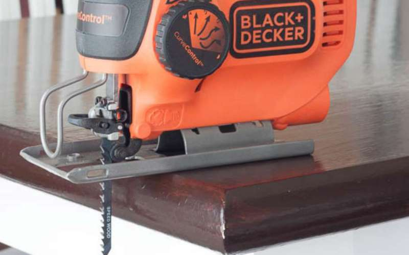 How to Use a Jig Saw, Step-By-Step Beginner's Guide