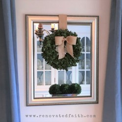mirror-with-wreath