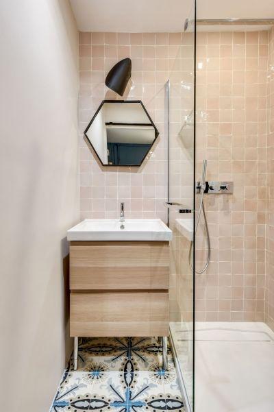 Petite salle de bains vue chez Transition Interior Design