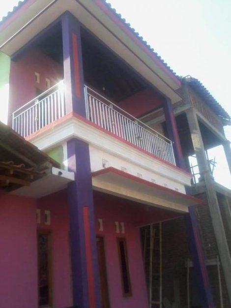 Balkon rumah minimalis