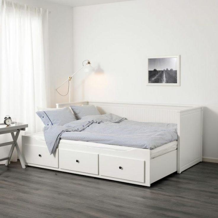 Cat kamar tidur anak putih
