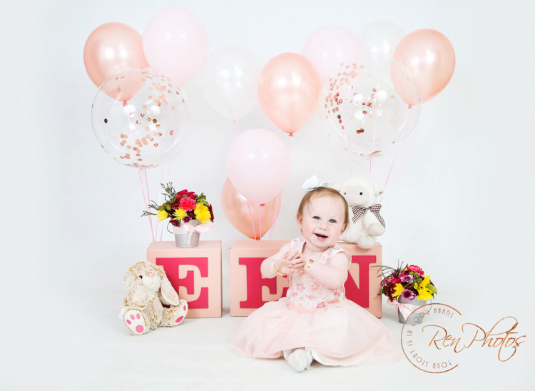 Diy 1st Birthday Photoshoot Props Idea Renphotos