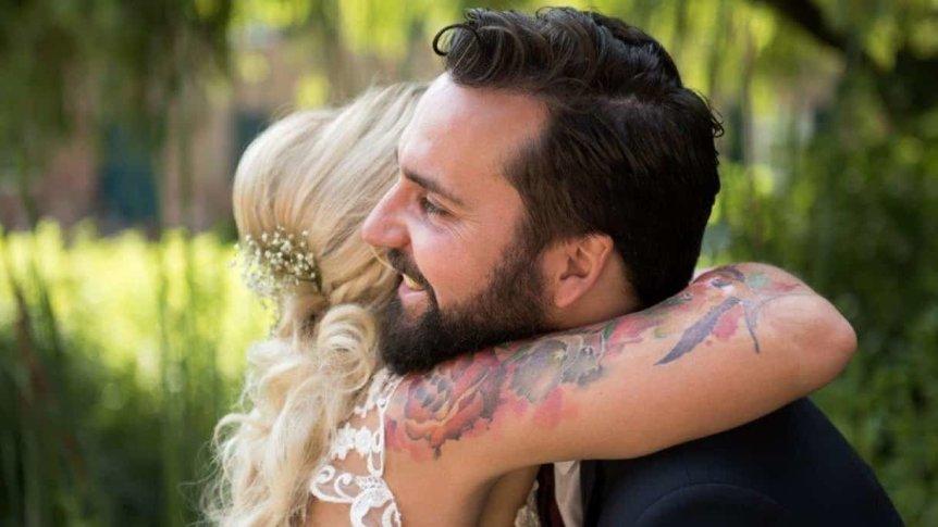 Wie finde ich den richtigen Hochzeitsredner für meine freie Trauung