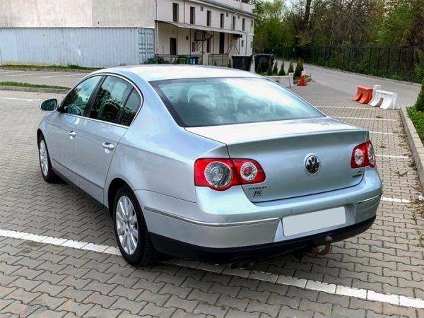 Volkswagen-Passat-TDI-2010-03