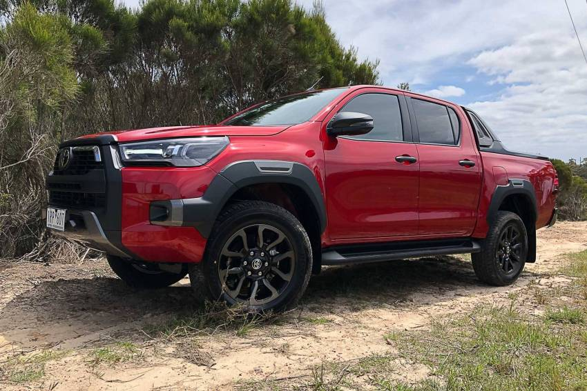 rent Toyota HiLux in lahore