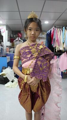 วิธีห่มสไบชุดไทยสำหรับเด็ก