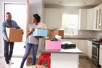 11-5-Couple-Moving-Boxes-Into-Their-Perfect-New-Home