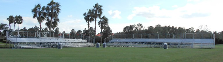 10 row bleachers for golf tournament event installed on the golf course