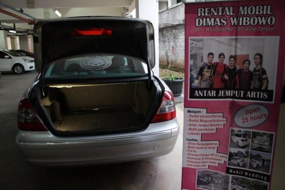 sewa mobil mercy untuk wedding bulanan harian mingguan paling murah di jakarta