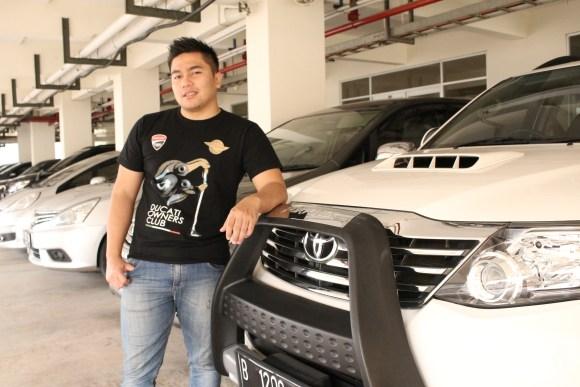 sewa_toyota_fortuner-putih-harga-contoh-gambar-mobil-mewah.jpg.jpeg