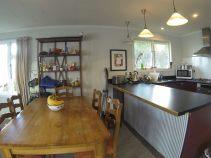 10 De La Mare Living and Kitchen