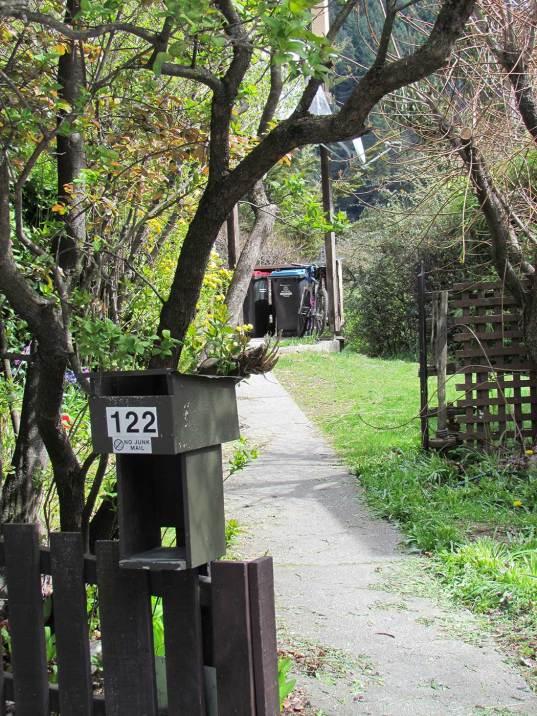 122 Hallenstein Street Queenstown Steet view www.rentaroom.org.nz
