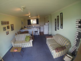 185A-Fernhill-Road-Living-Room-a-www.rentaroom.org_.nz_-1024x768