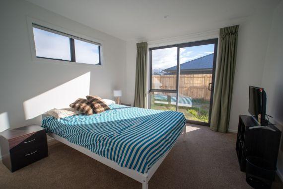 Rent-A-Room 8 Regent Street Bedroom 5b_preview