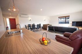 Rent-A-Room 8 Regent Street Living 9_preview
