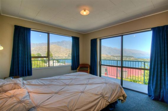 28 Earnslaw Terrace, Queenstown Hill Rent-A-Room Bedroom 2