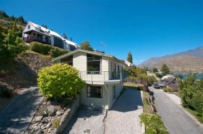 28 Earnslaw Terrace, Queenstown Hill Rent-A-Room Garden