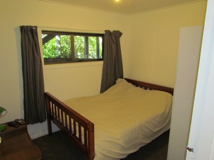 6a William Street (Down) Queenstown Rent A Room Room 3 b.