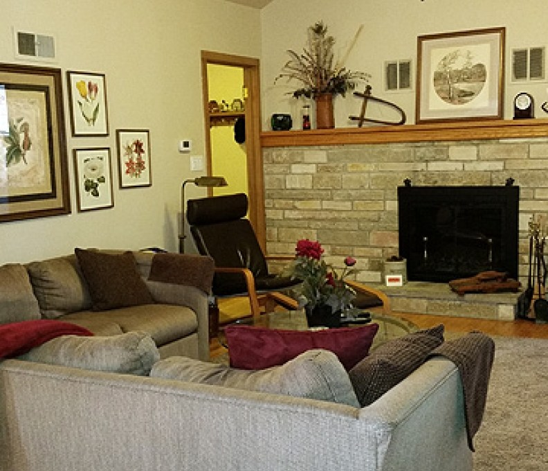 Living-Room-1b-792x739_c_epl_slider