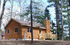 Newly Constructed in 2010, 2 bdrm upstairs, 2 queen, 2 twins, 2 full baths, gas fireplace upstairs and lower level, walkout to lake