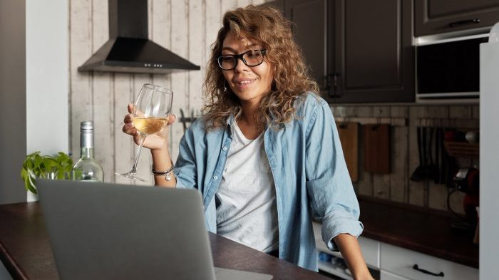"""The Dangers of """"Mommy Wine Culture"""""""