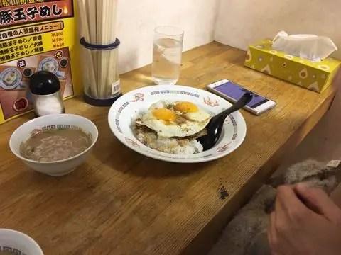 松山市の焼豚玉子飯