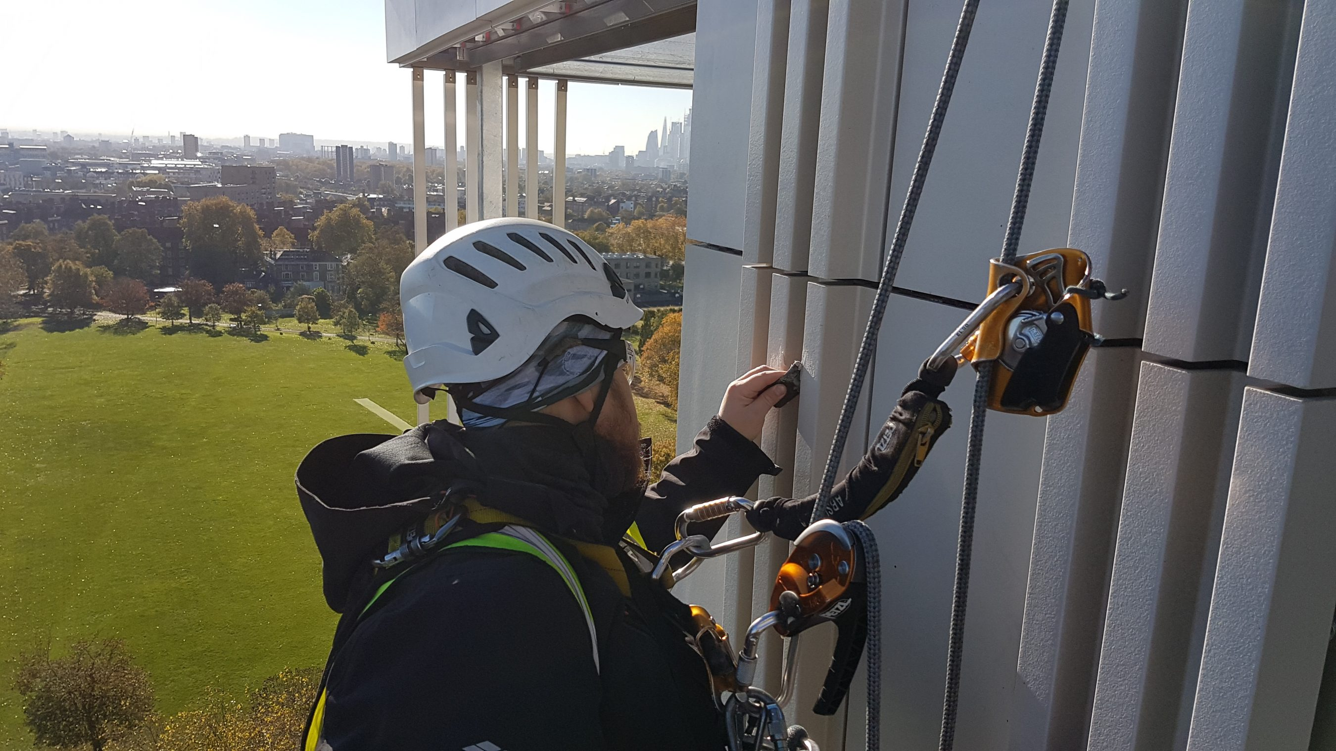 abseiling snagging